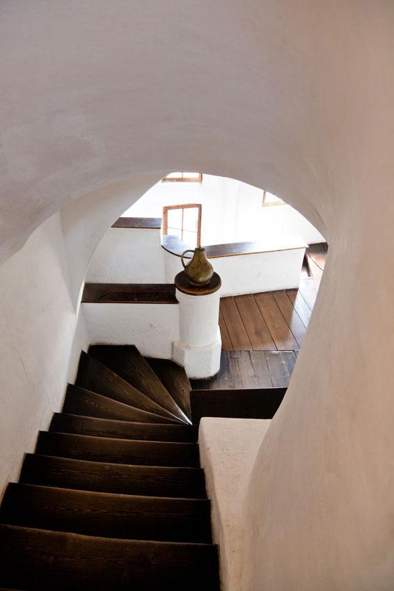 Escalier avec enduit argile